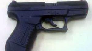 toy-pistol-1