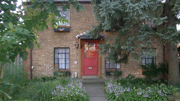 1916 Lee Street - open 2 - 4pm Sunday