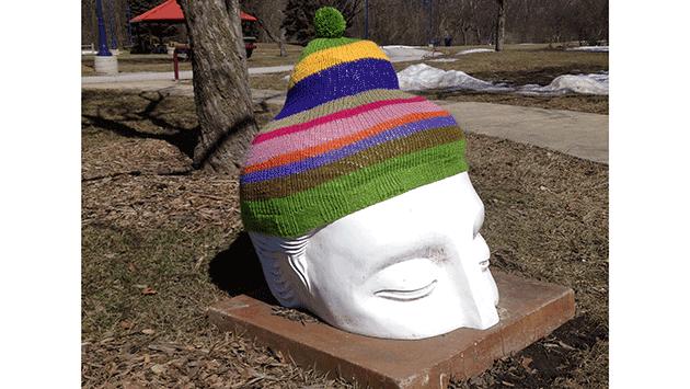 buddha-yarn-bombed