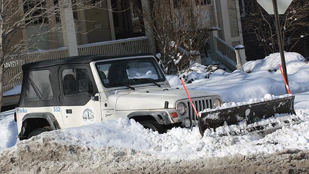 parks-jeep-stuck-in-snow-on-sidewalk-img_4829