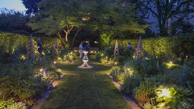 shakespeare_garden_lights