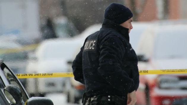 cop-at-homicide-scene-160120-img_8070