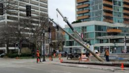 fountain-square-temporary-traffic-light-poles-20170413_135540
