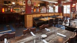 prairie-moon-dining-room-bar
