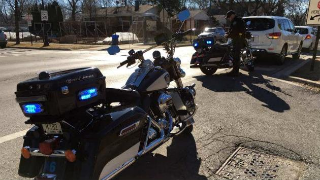 motorcycle-police-traffic-stop-epd-20170218